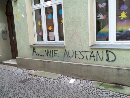 A .. wie Aufstand