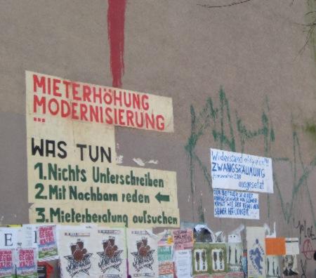 Hauswand Schillerkiez mit Infos