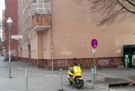 saubere Wand Herrfurthstrasse Ecke Weisestrasse